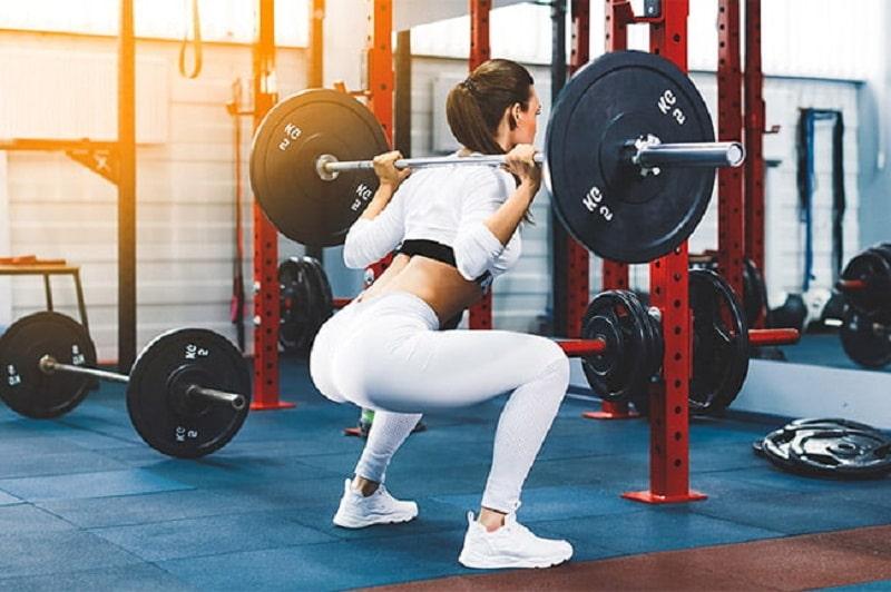 Comment bien pratiquer le squat
