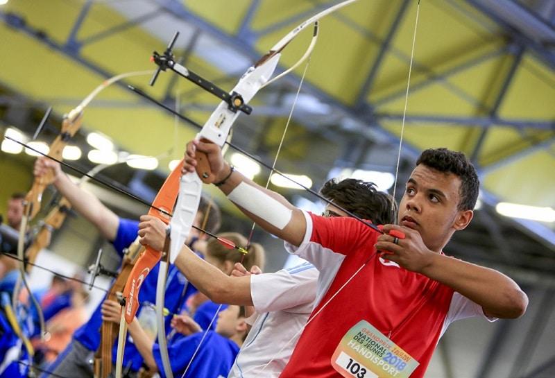 Comment se déroule la pratique sportive du tir à l'arc