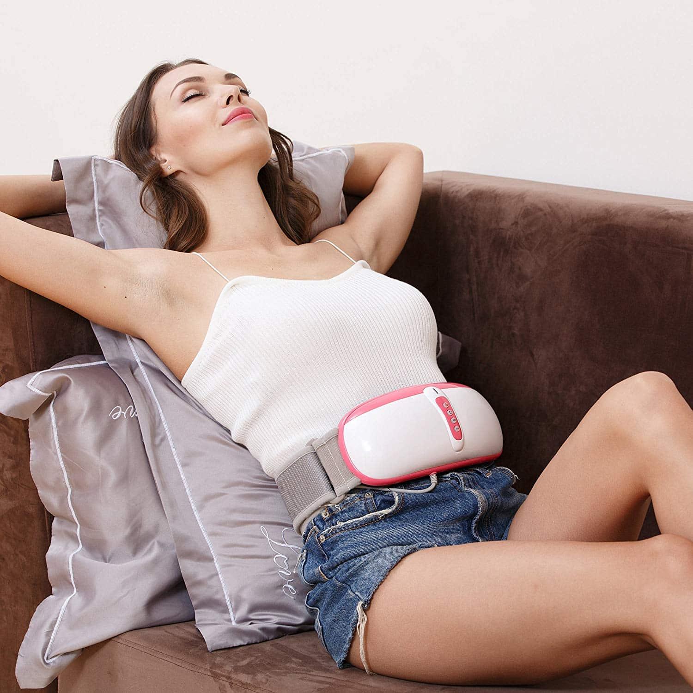 Femme détendue avec sa ceinture abdominale